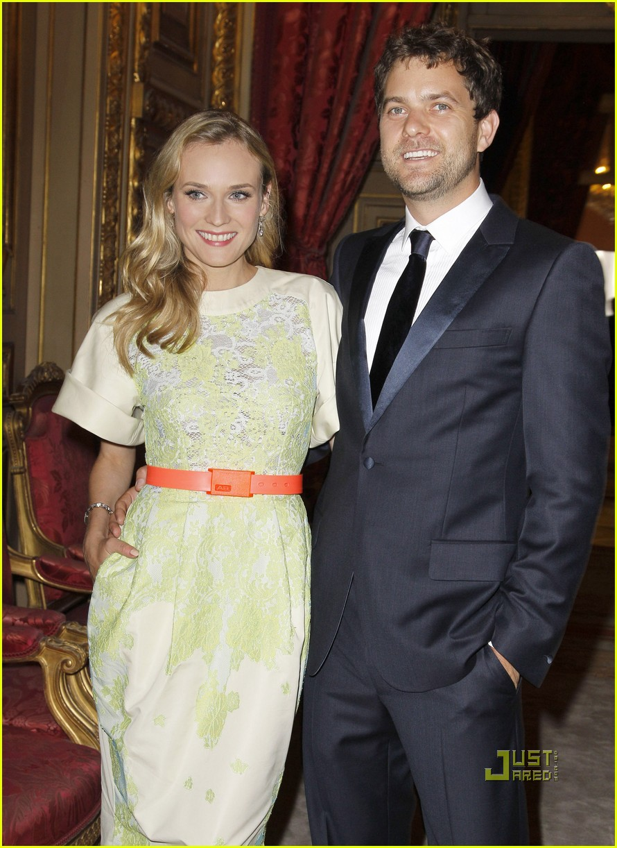 diane kruger joshua jackson liaisons au louvre 01