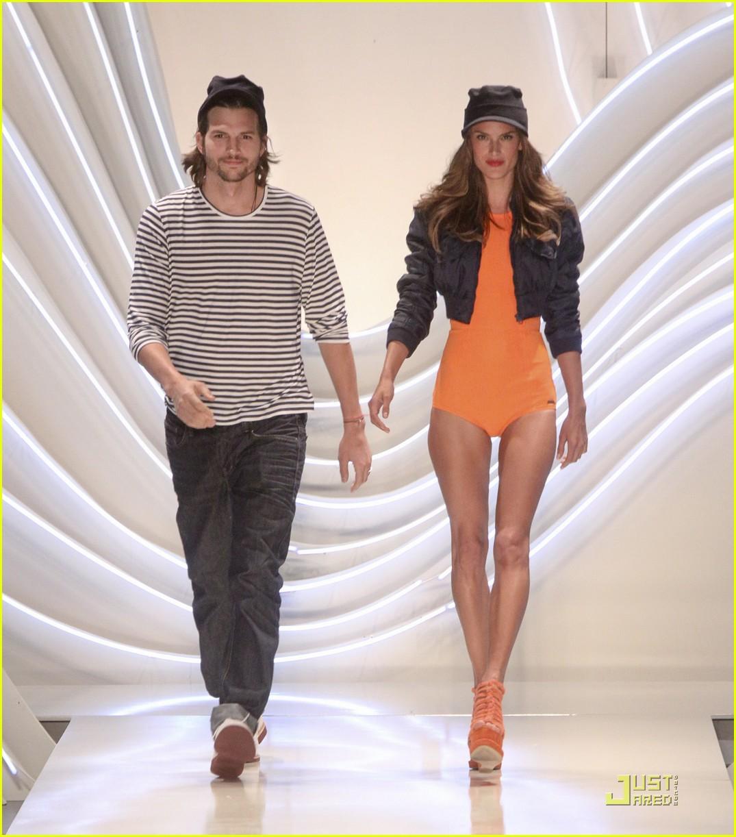 ashton kutcher alessendra ambrosio colcci fashion show 03