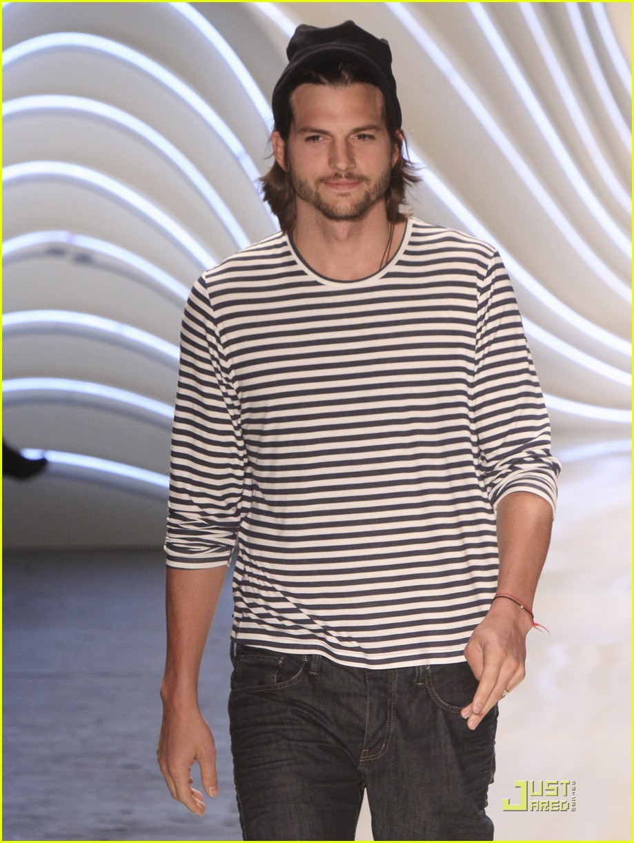 ... ambrosio colcci fashion show 10 | Photo 2553286 | Just Jared Colcci