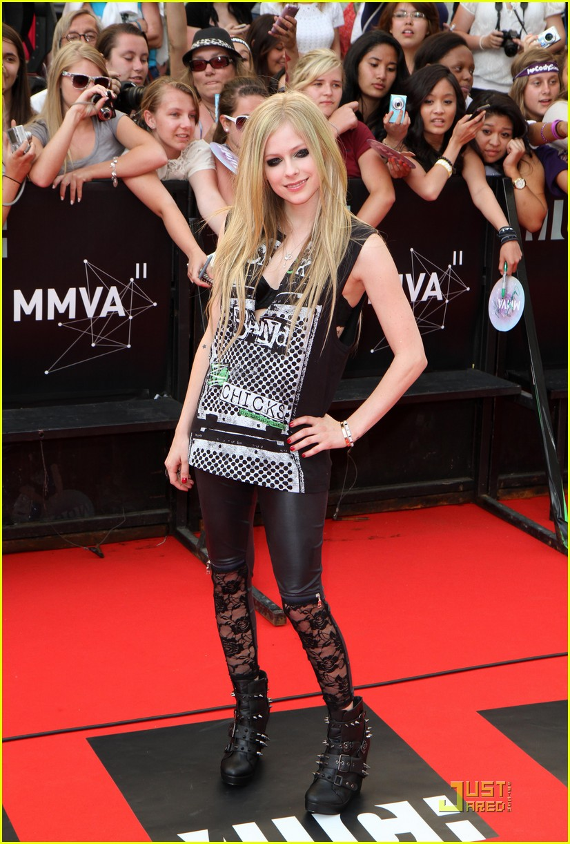 Avril Lavigne - MuchMusic Video Awards 2011 Red Carpet: Photo 2553780   Avril Lavigne Pictures   Just Jared