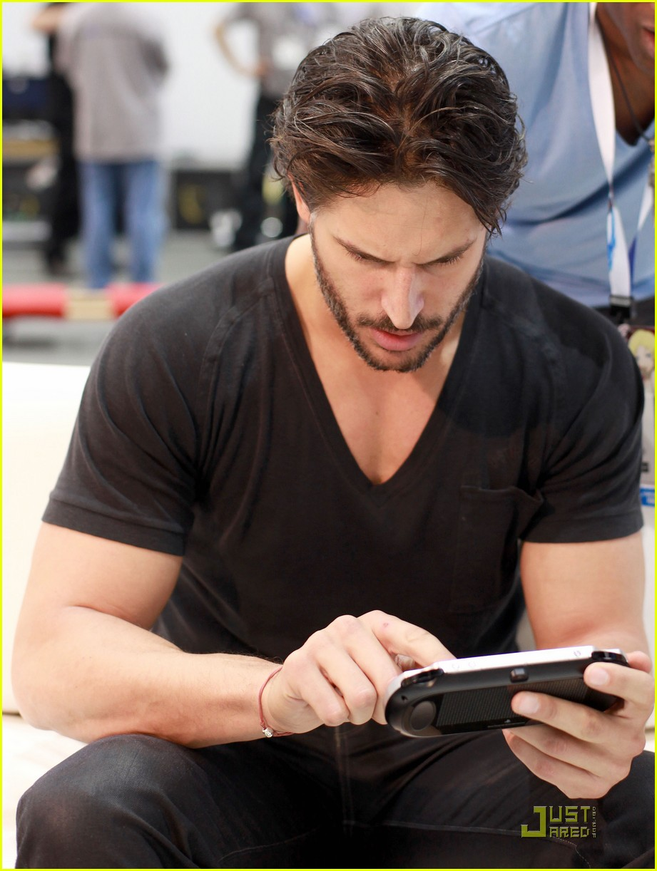joe manganiello rebecca romijn playstation preview 022551545