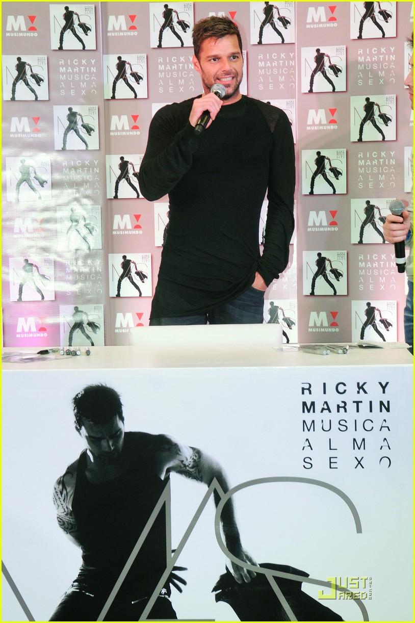 ricky martin musica almo sexo cd signing 02