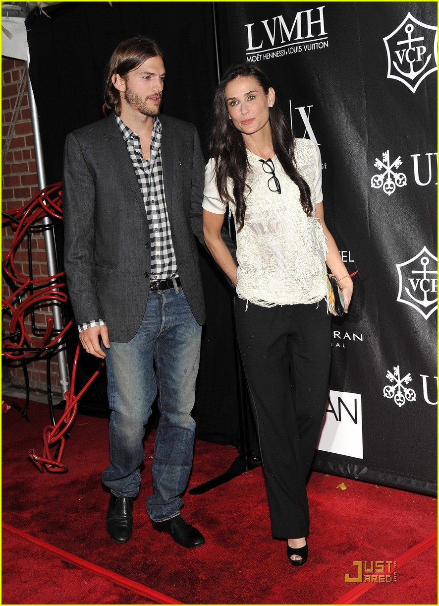 demi moore ashton kutcher urban zen 01