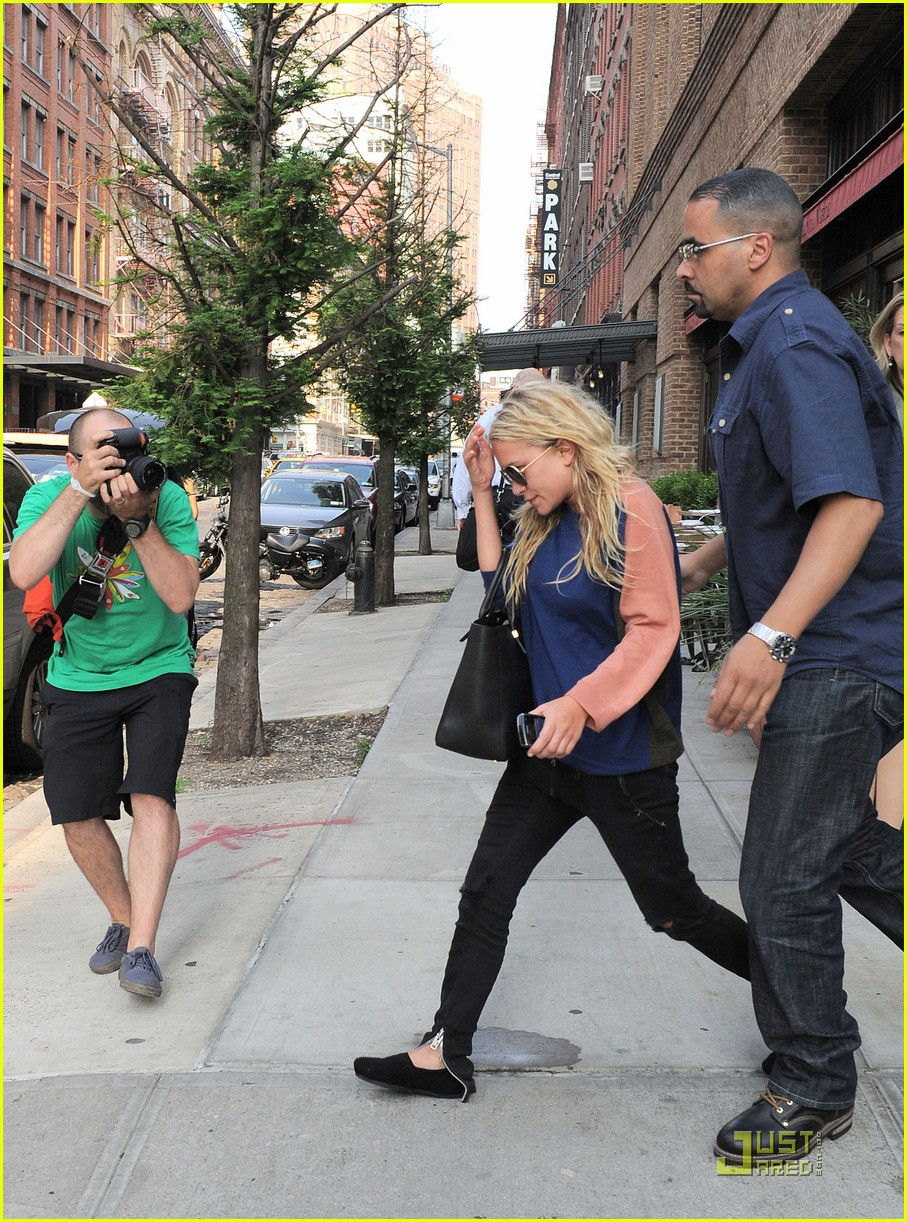 mary kate ashley olsen busy day in new york 072554392