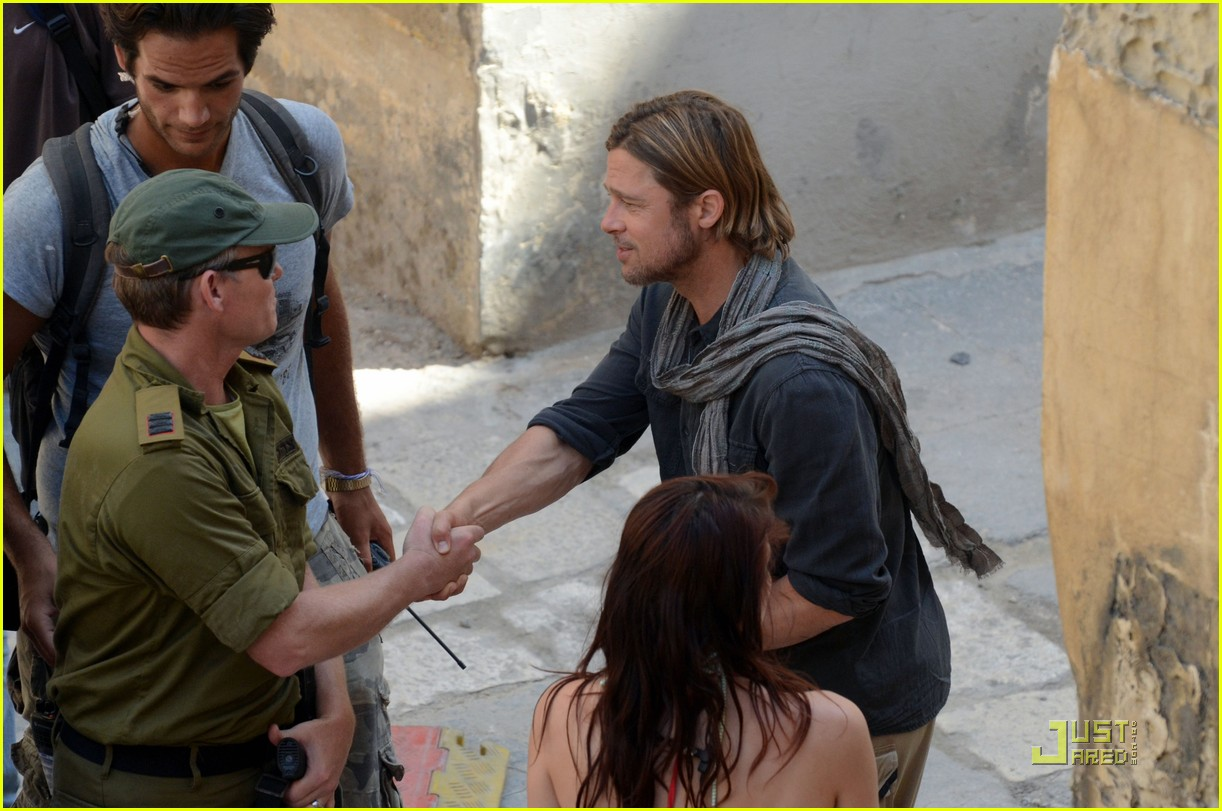 brad pitt world war z on set 052552695