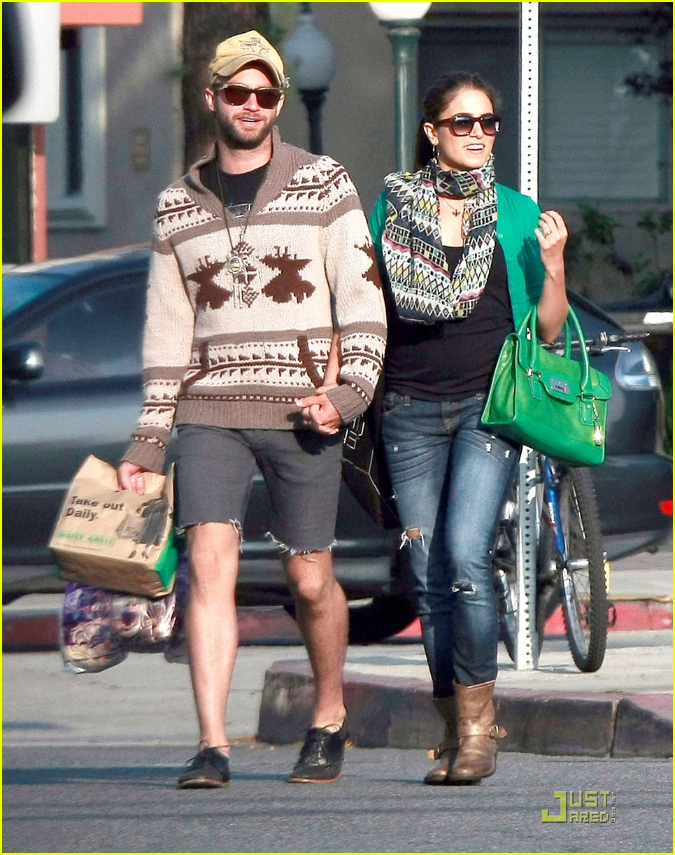 nikki reed paul mcdonald holding hands in hollywood 052551570