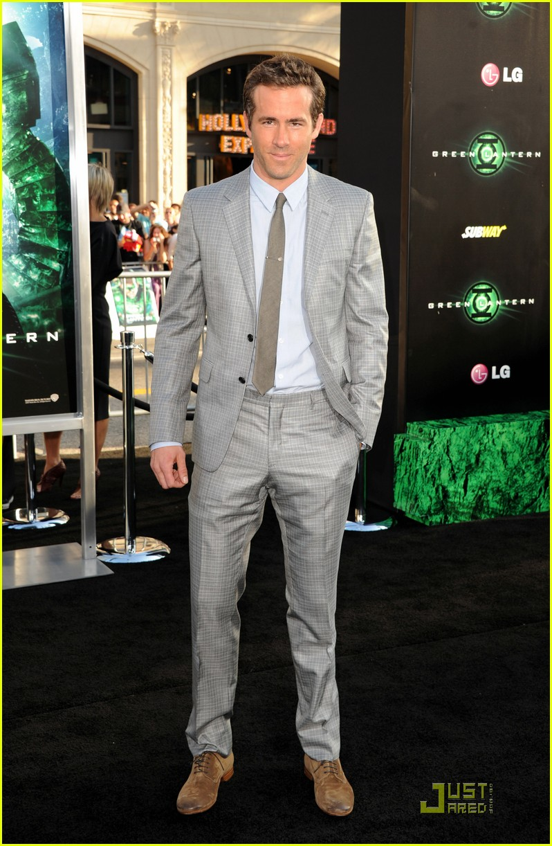 ryan reynolds green lantern premiere 01