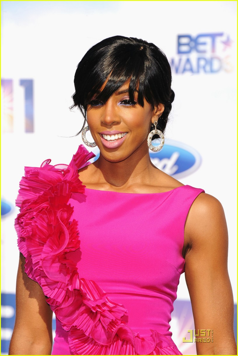 kelly rowland michelle williams bet awards 2011 022555762