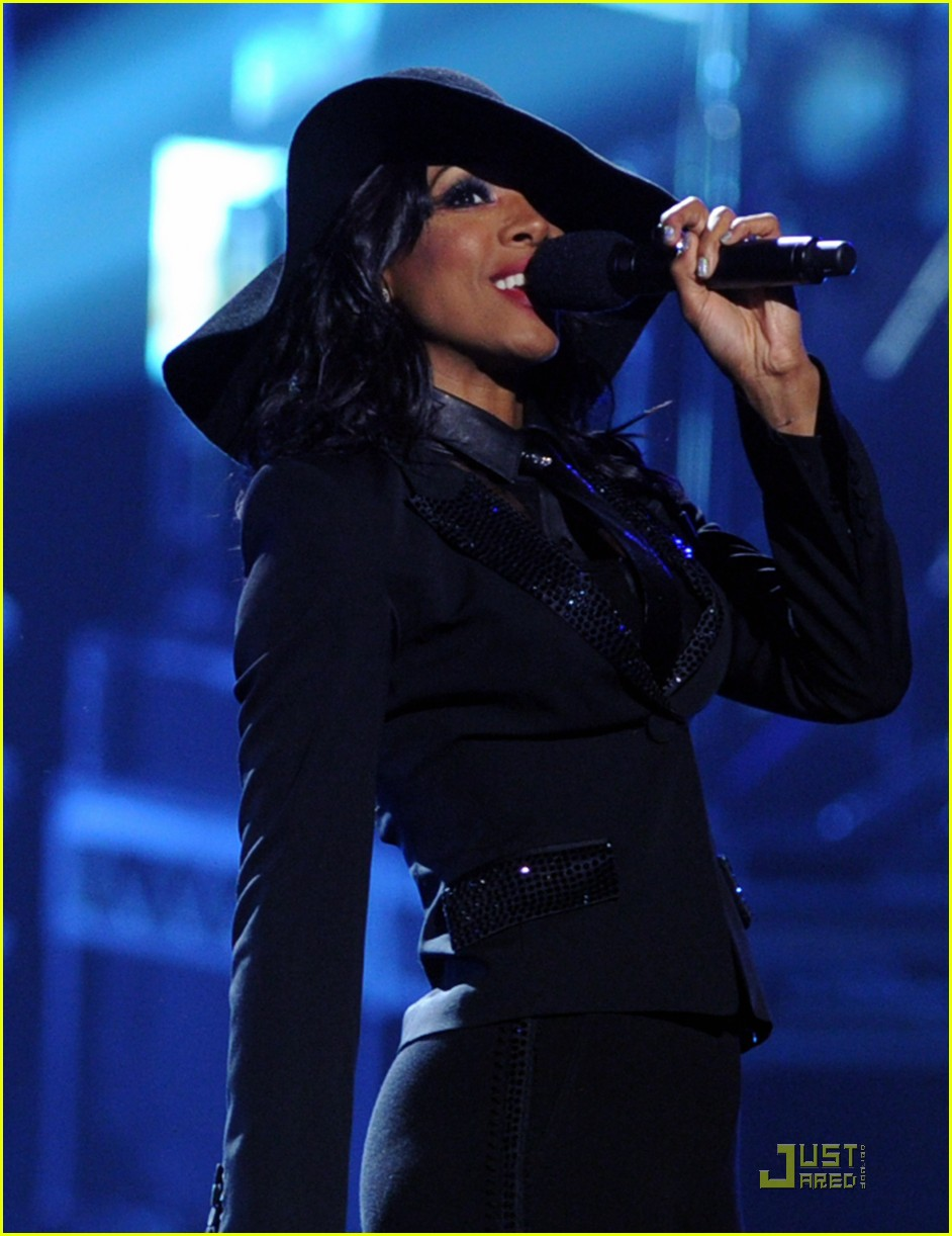 Kelly Rowland Amp Michelle Williams Bet Awards 2011 Photo