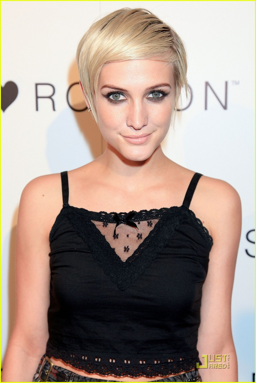 ashlee simpson nicole richie i heart ronson party 022554525