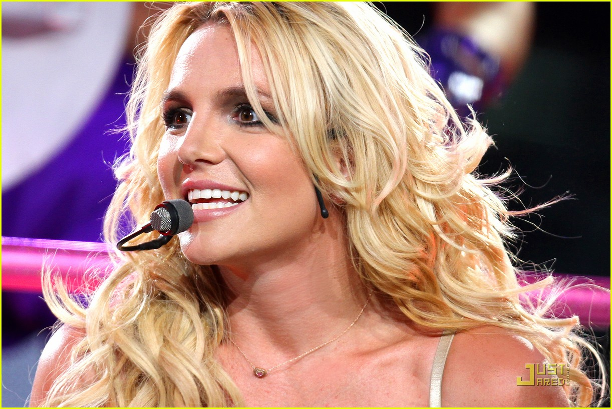 Britney Spears announces UK Tour for 2017, visiting London ... Britney Spears Tickets