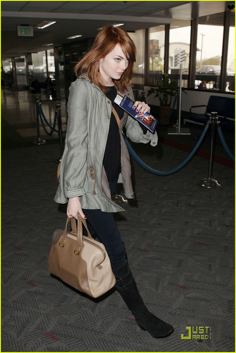 emma stone leaves los angeles 012551047