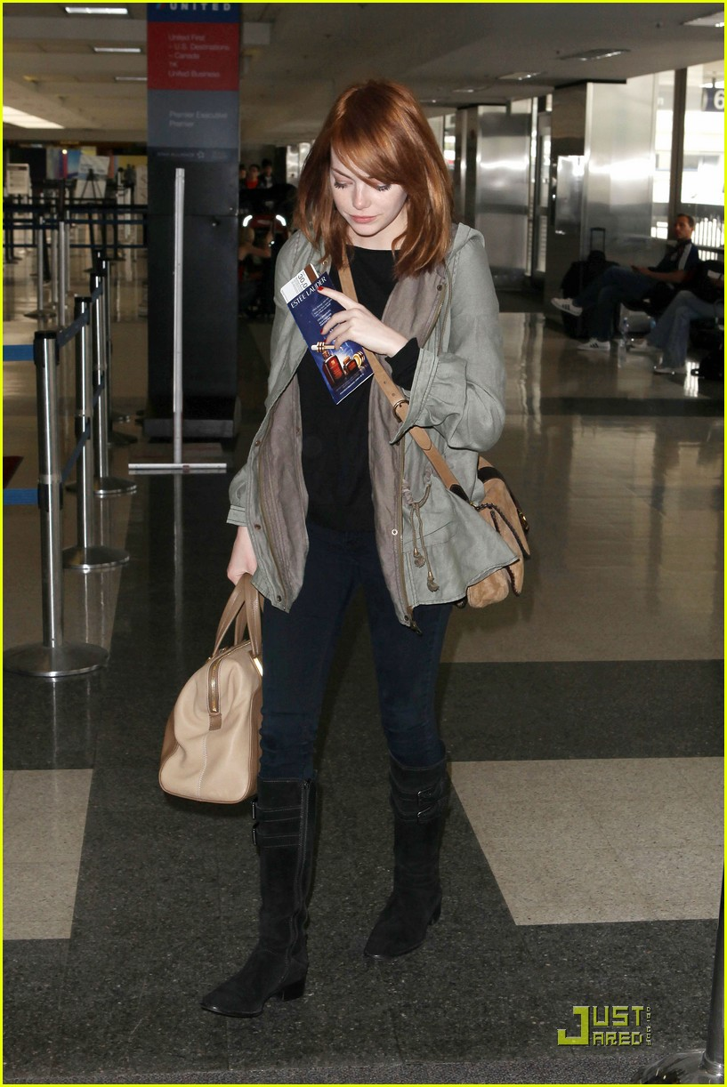 emma stone leaves los angeles 022551048