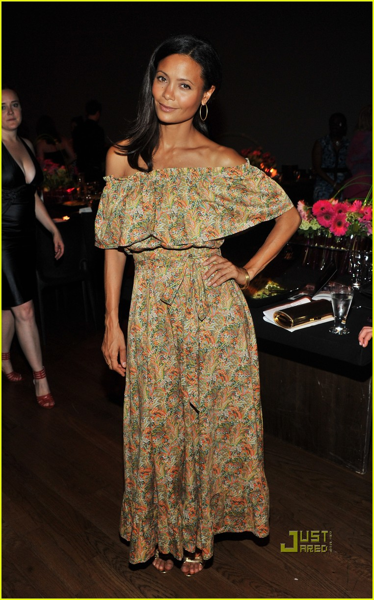 kerry washington thandie newton vday 09