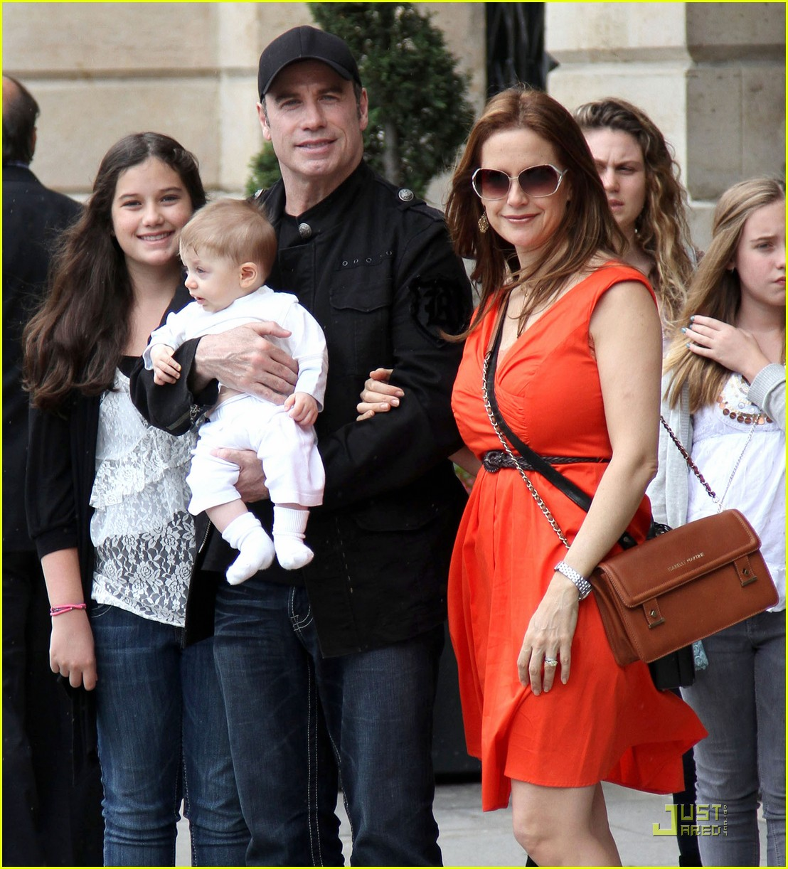 john travolta kelly preston paris with the kids 032555450