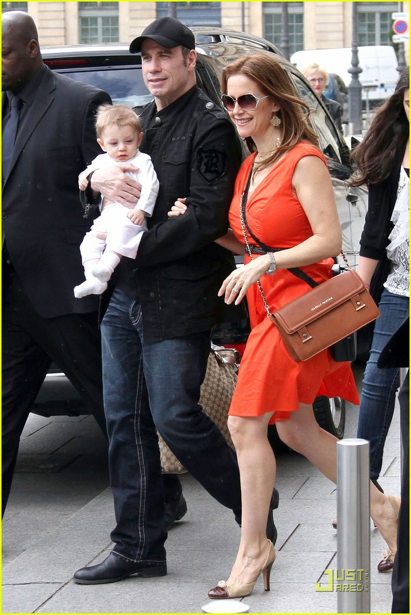 john travolta kelly preston paris with the kids 052555452