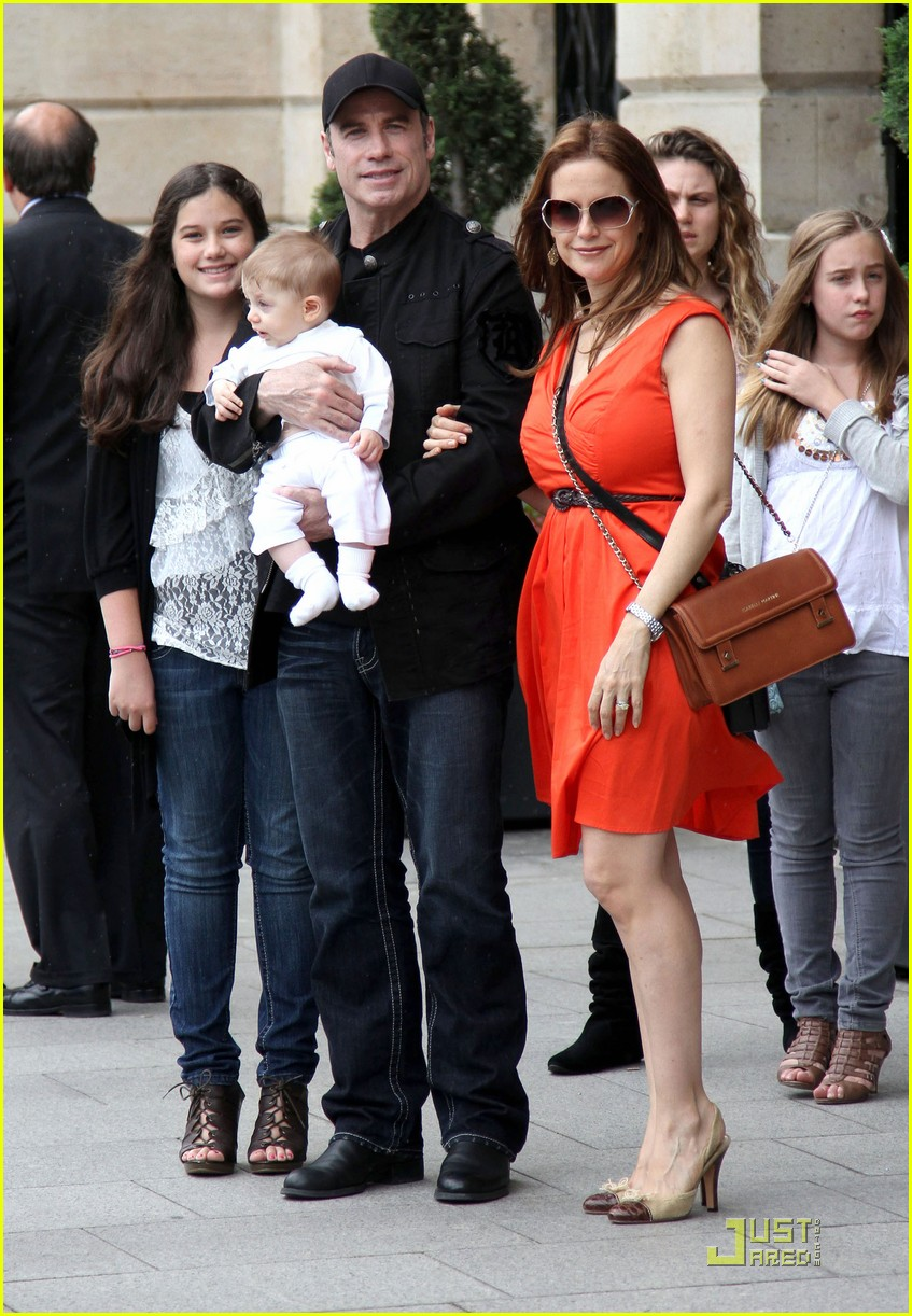 john travolta kelly preston paris with the kids 072555454