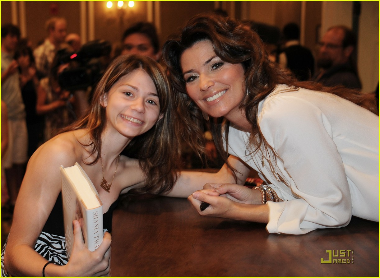 Shania Twain Brunch Amp Book Signing With Oprah Audience Photo 2551483 Frederic Thiebaud