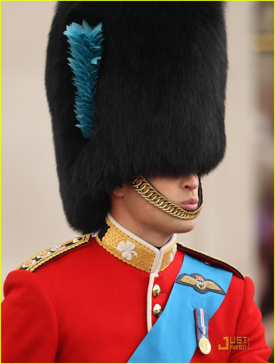 prince william kate middleton troopping colour 06