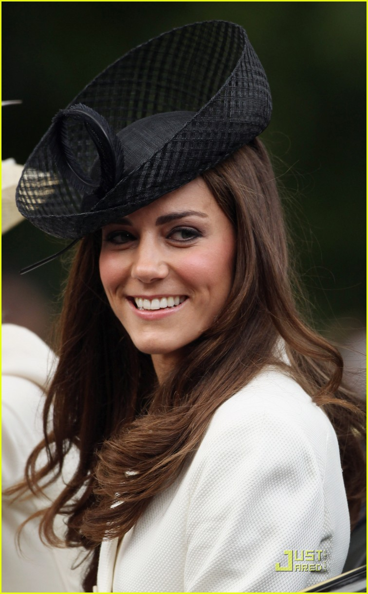 prince william kate middleton troopping colour 082551361