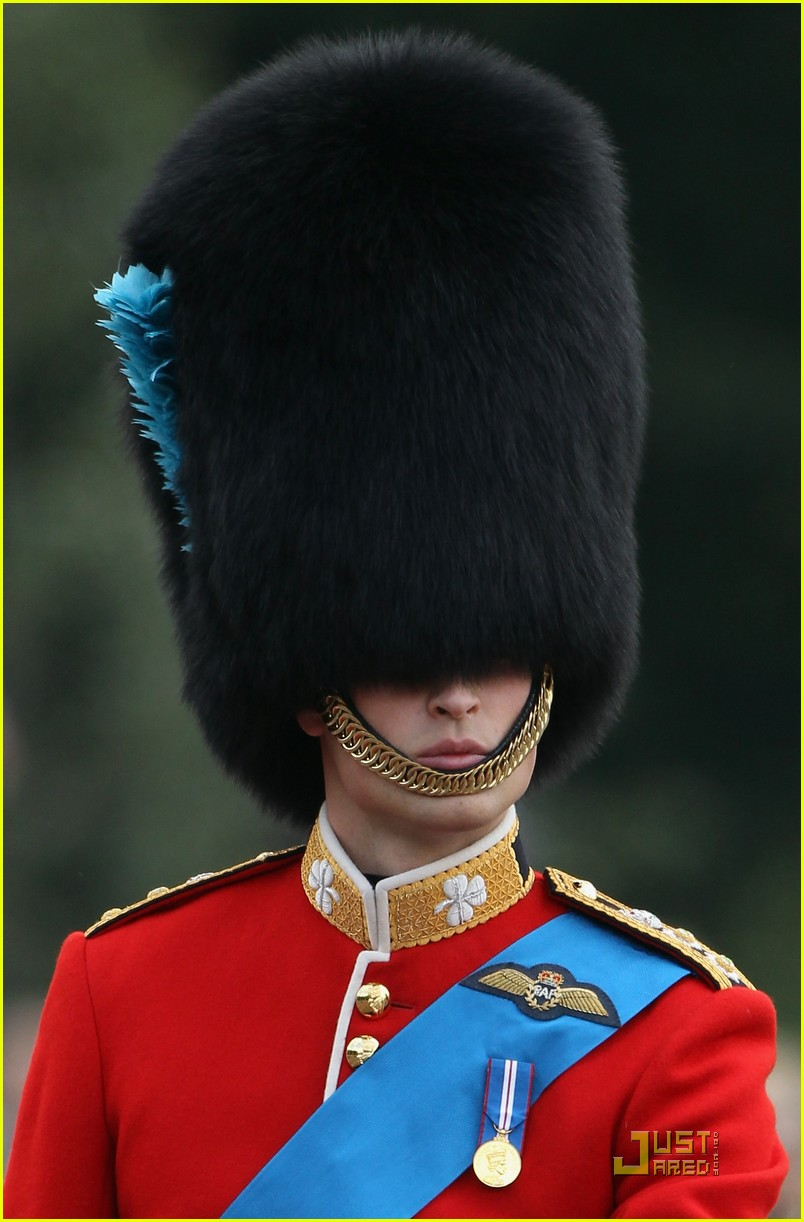 prince william kate middleton troopping colour 17