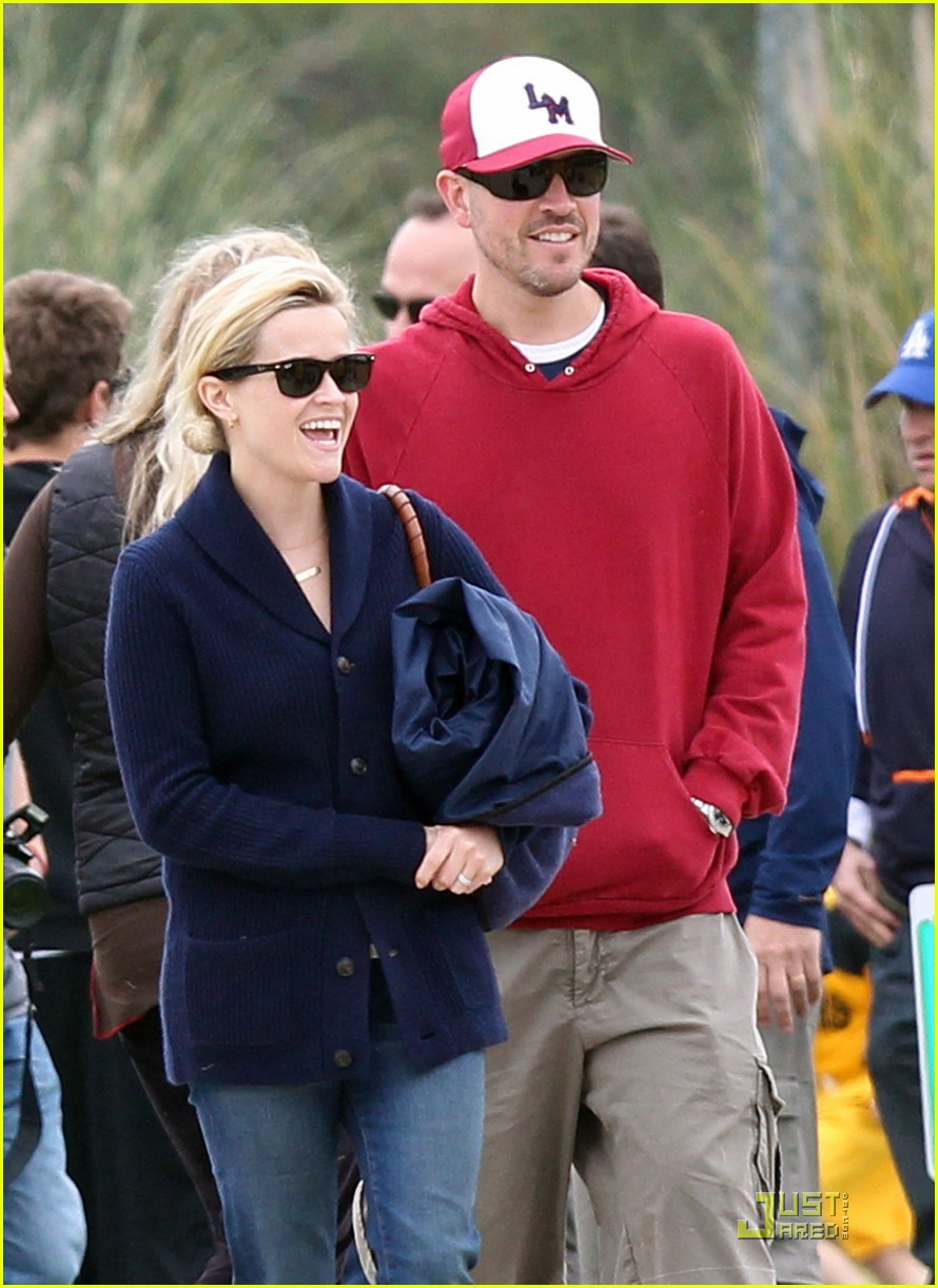 reese witherspoon deacons soccer game with ryan phillippe 022551638