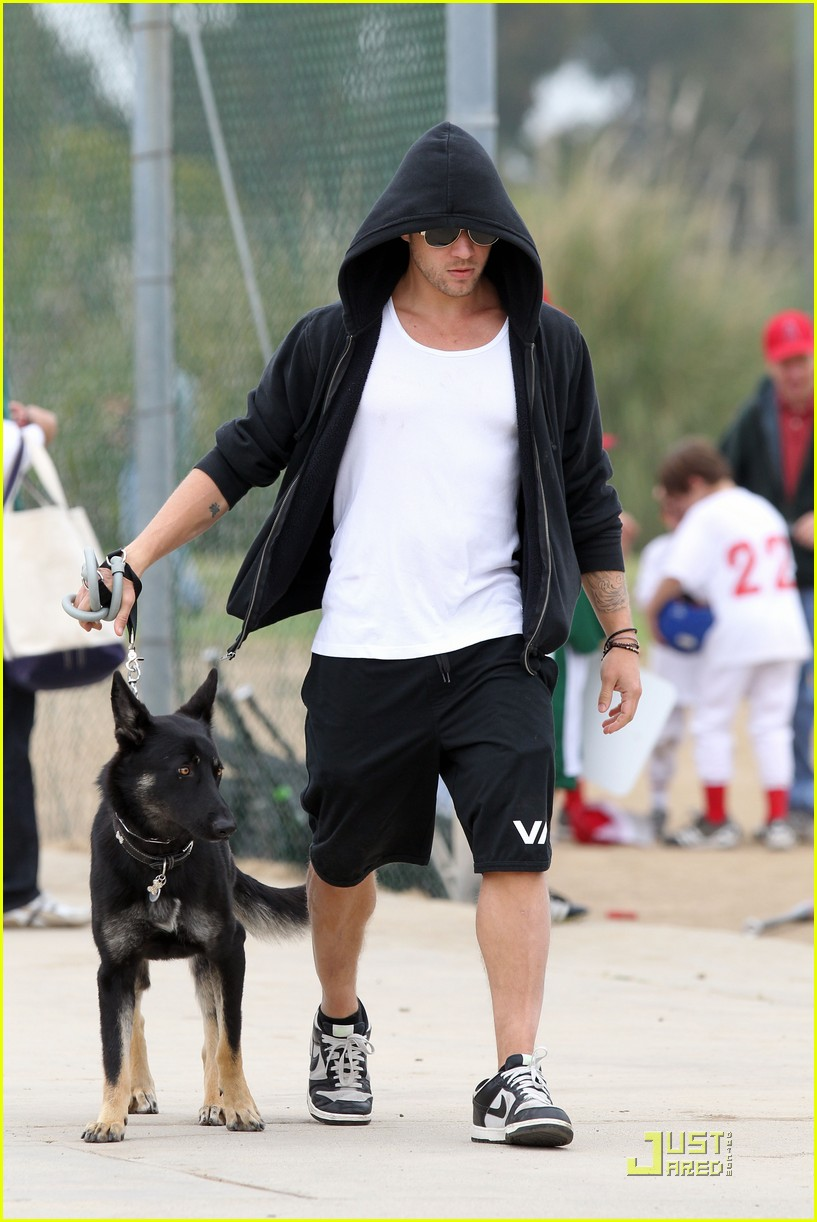 reese witherspoon deacons soccer game with ryan phillippe 042551640