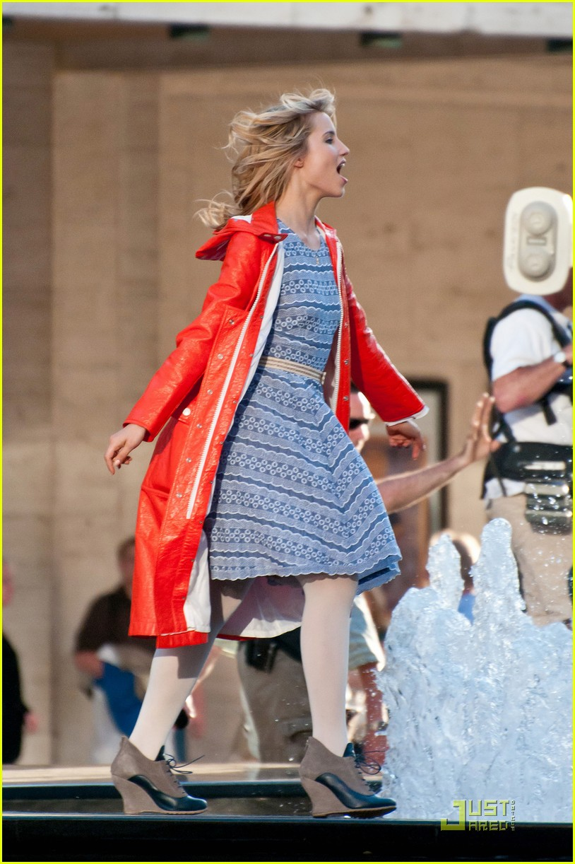 dianna agron wears quinn fabrays clothes 03
