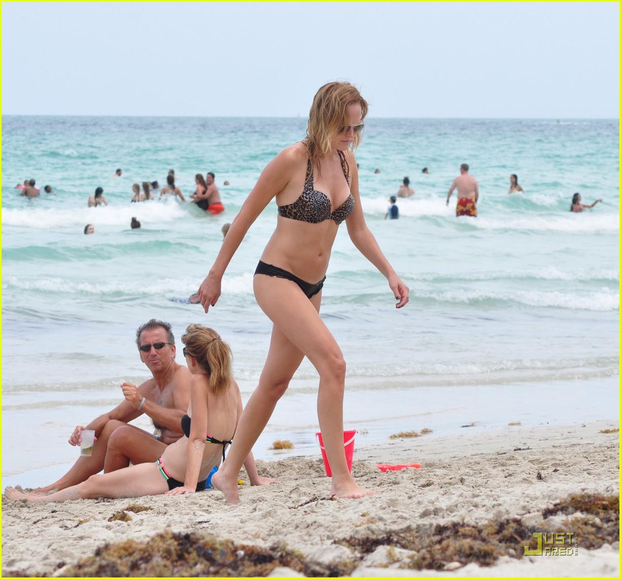 malin akerman bikini miami 05