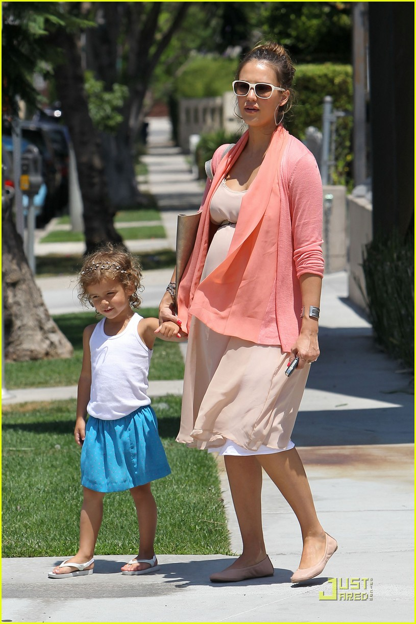 jessica alba honor bel bambini baby shopping 012559004