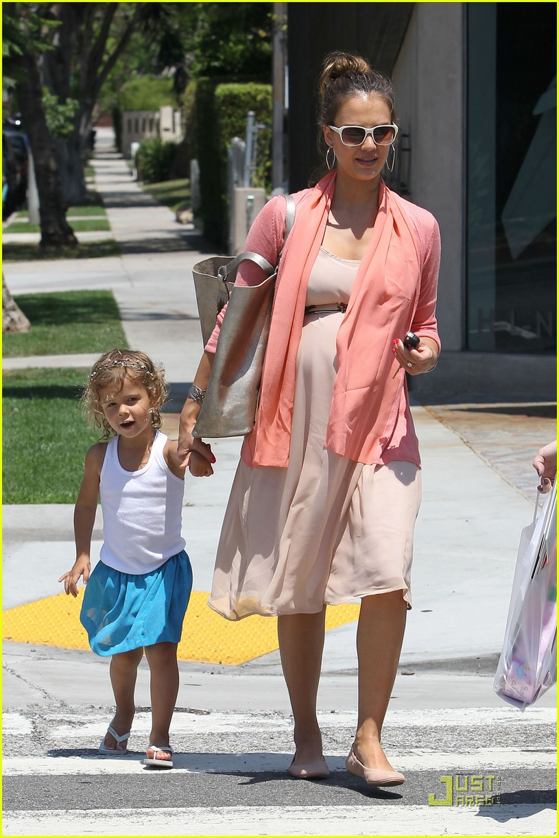 jessica alba honor bel bambini baby shopping 122559015