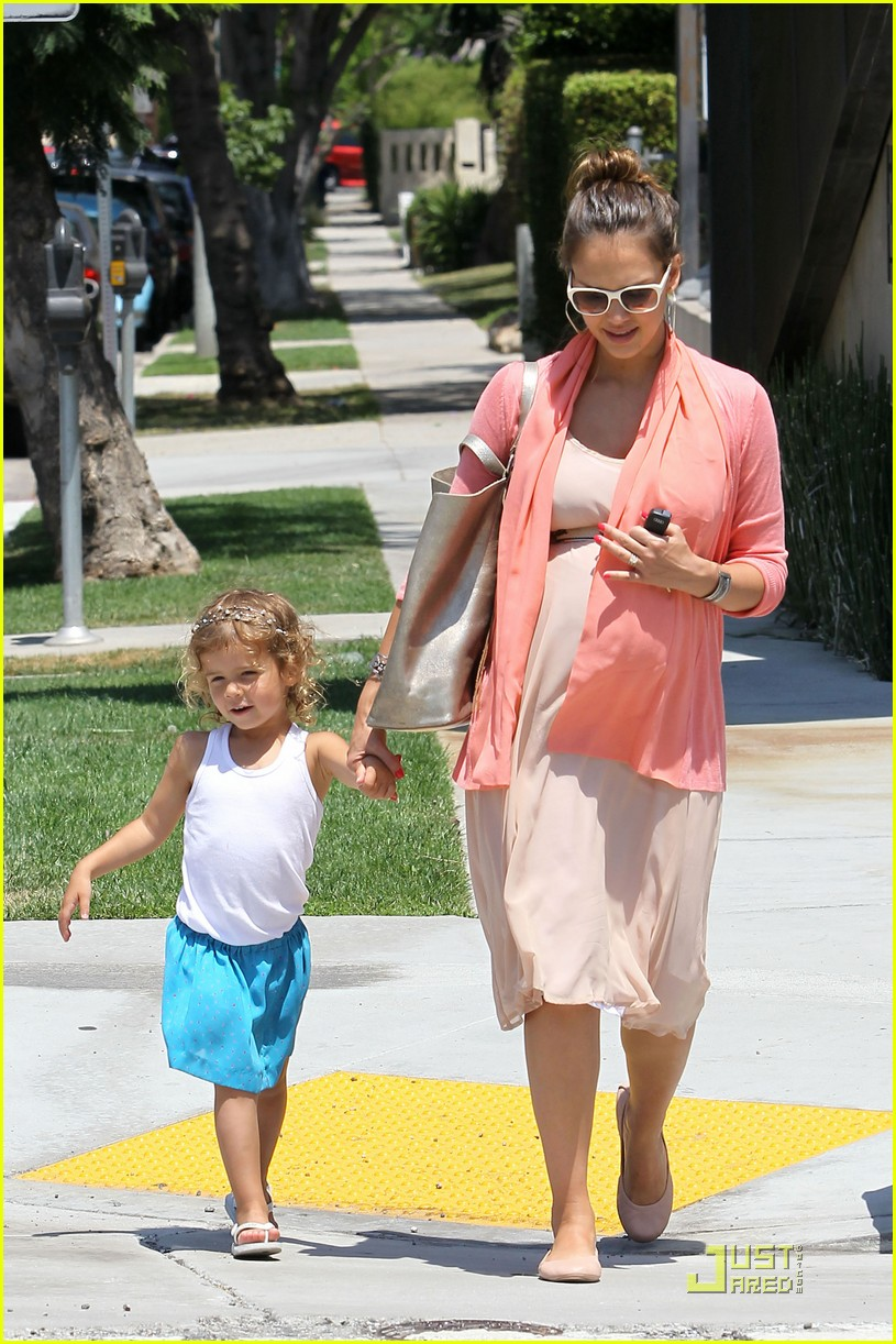 jessica alba honor bel bambini baby shopping 14