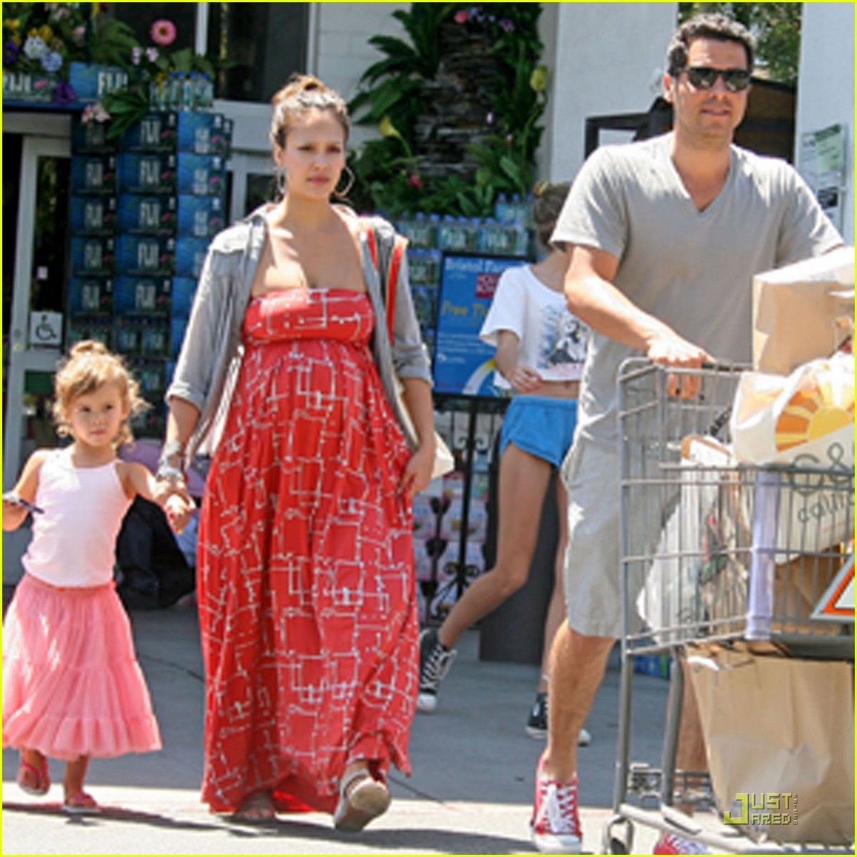 jessica alba family grocery 022561680