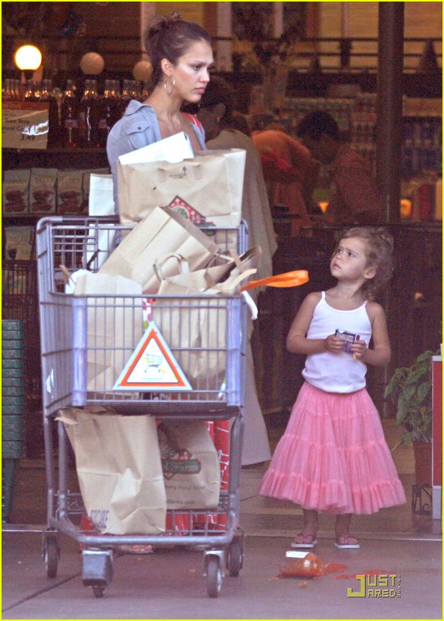 jessica alba family grocery 042561682