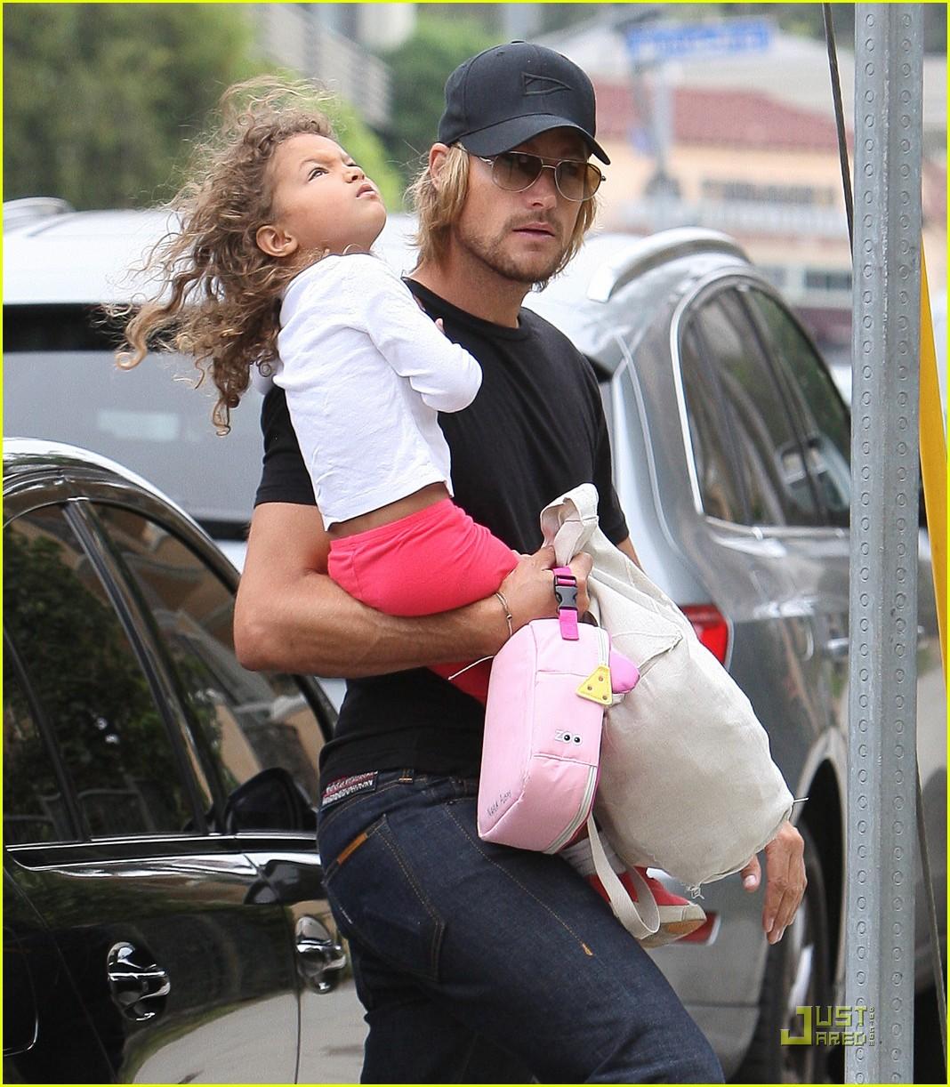 Gabriel Aubry Daddy Duties With Nahla Photo 2564843 Celebrity