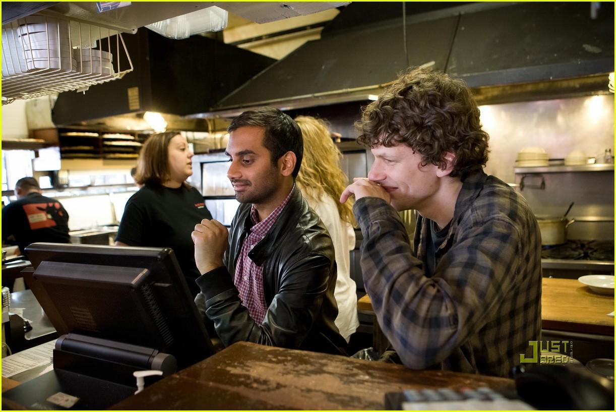 Jesse Eisenberg & Aziz Ansari Pass Out Pizza: Photo ...
