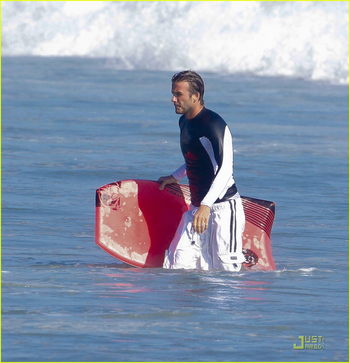 david beckham surfing in malibu with the boys 01