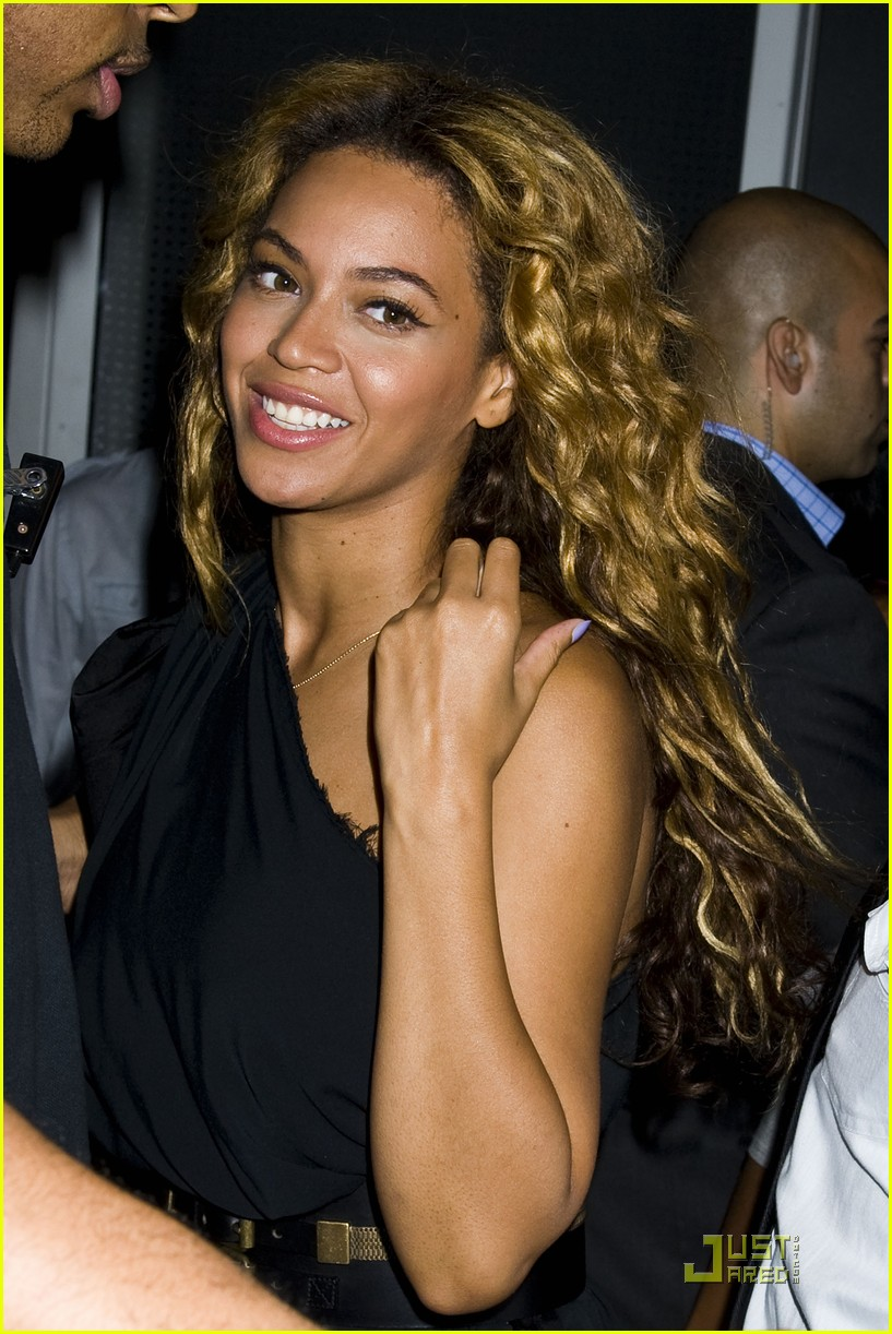 beyonce here i am release party 042564108