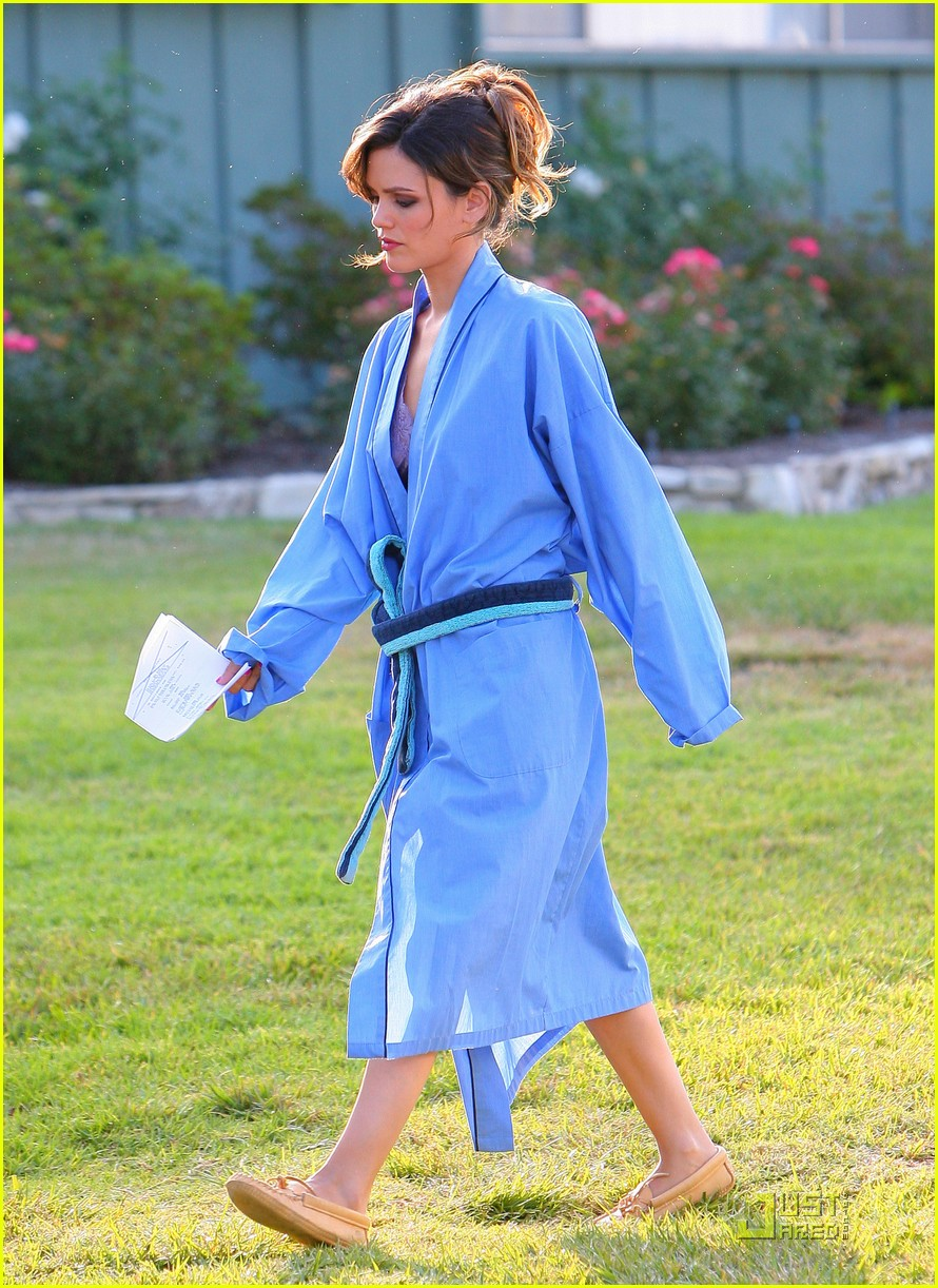 rachel bilson blue bathrobe 062560978