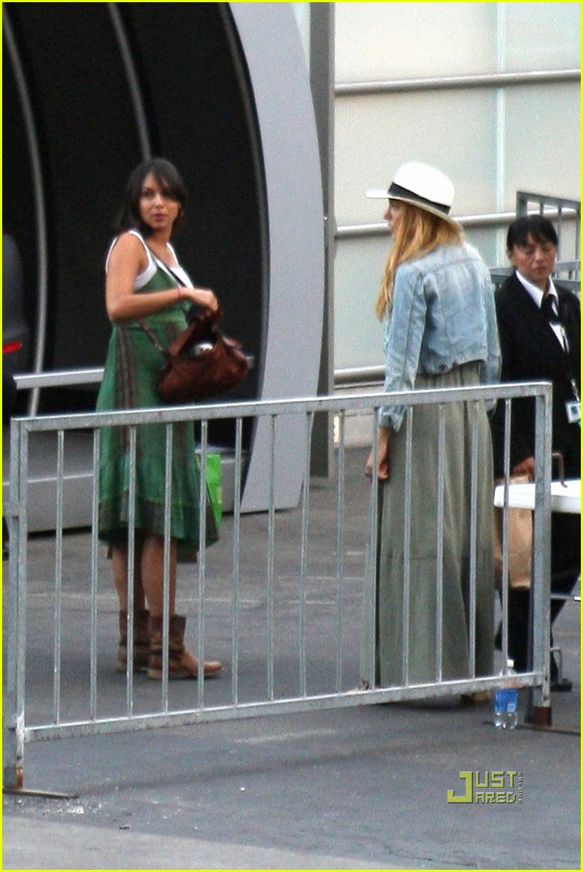 blake lively leonardo dicaprio hollywood bowl 122563651