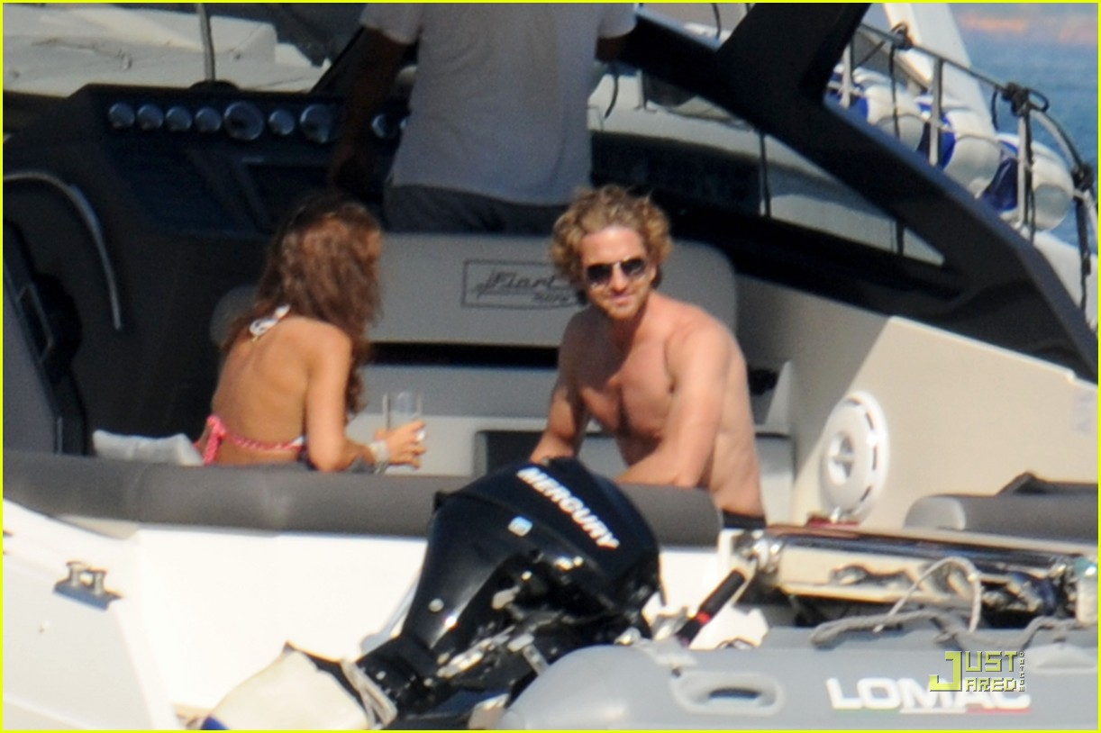 gerard butler shirtless boat ride in ischia 012559117