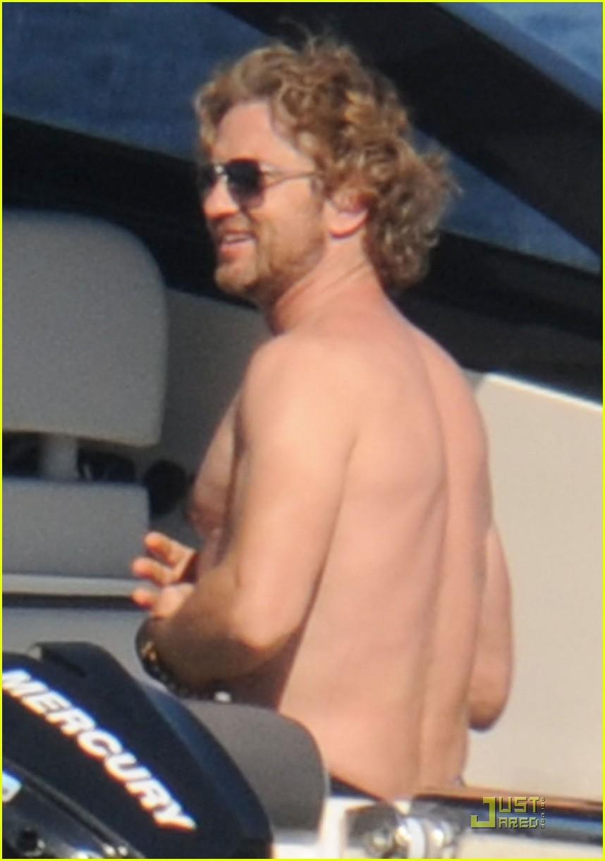 gerard butler shirtless boat ride in ischia 022559118