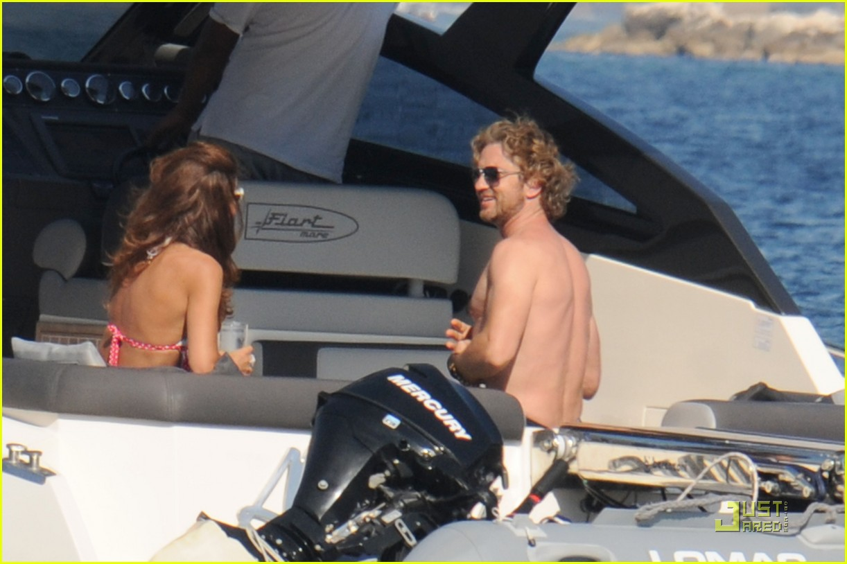 gerard butler shirtless boat ride in ischia 062559122