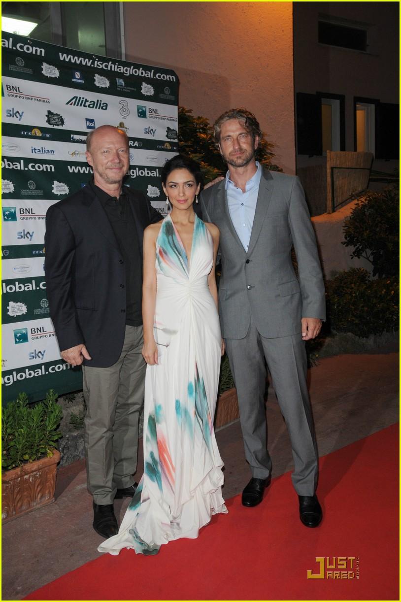 gerard butler ischia film festival opening dinner 05