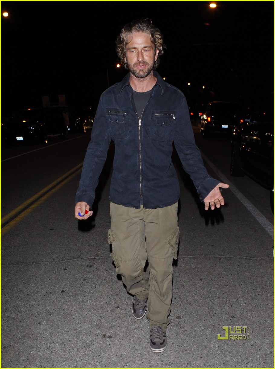 gerard butler leaving party malibu 07