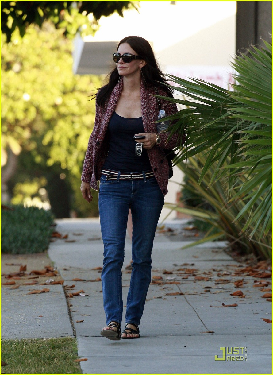 courteney cox coco heels 08