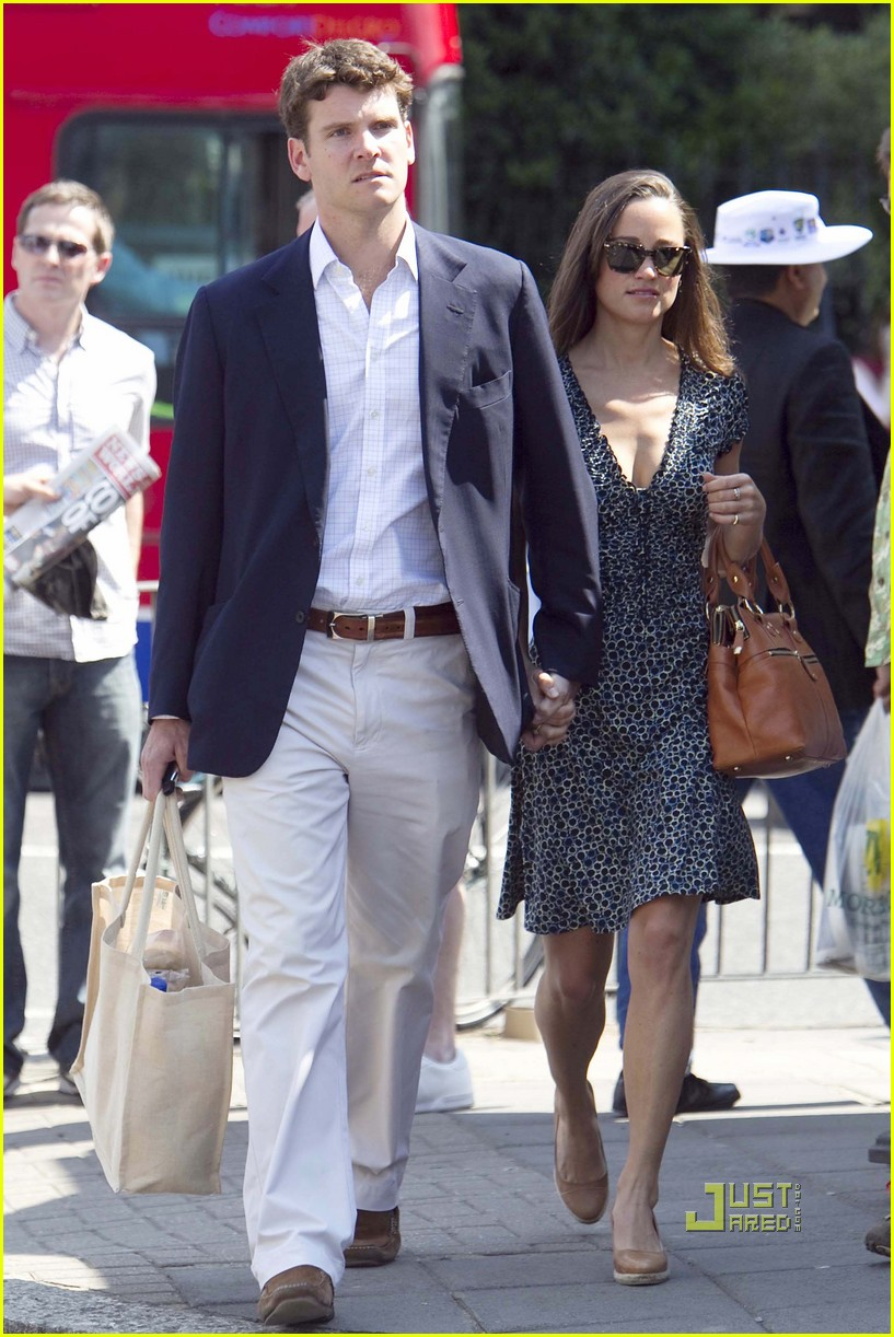Hard-Partying Pippa Middleton Still Too Low Class For Alex Loudon s Family