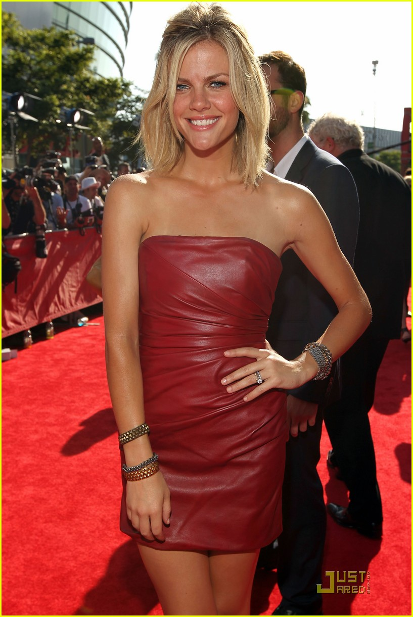brooklyn decker espy awards 2011 02