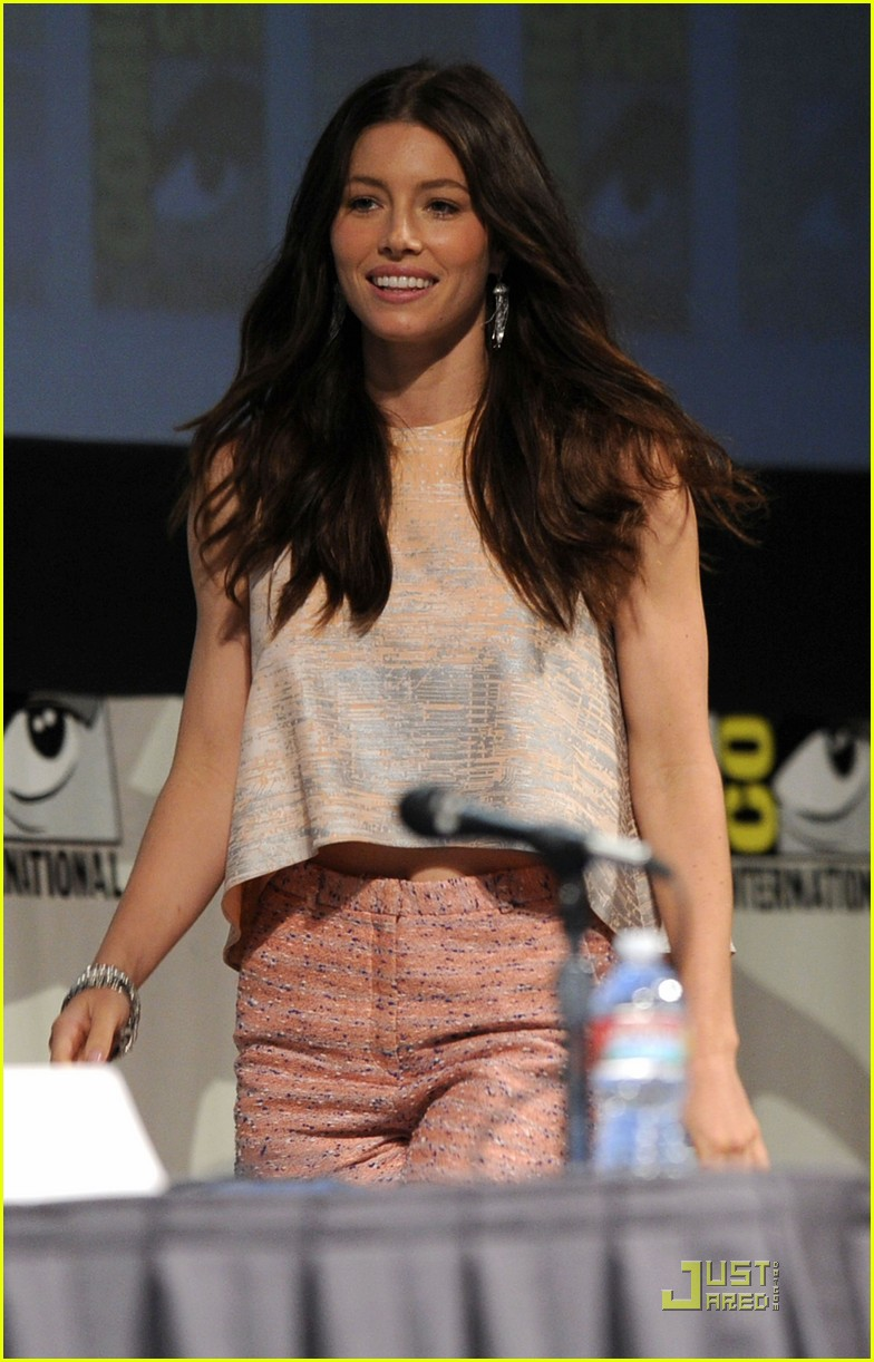colin farrell jessica biel total recall at comic con 11