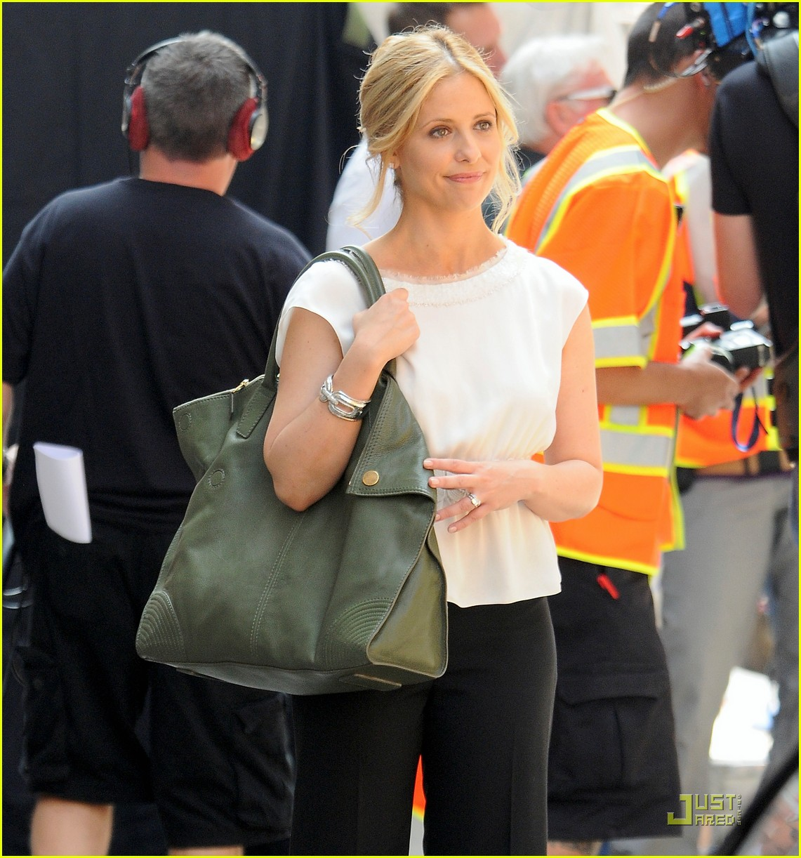 sarah michelle gellar works on the ringer 02